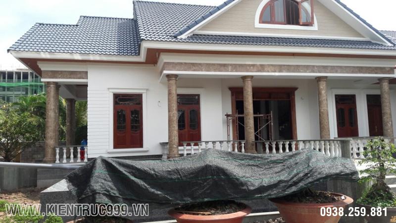 nhà đẹp một tầng phần mặt tiền phía trước.